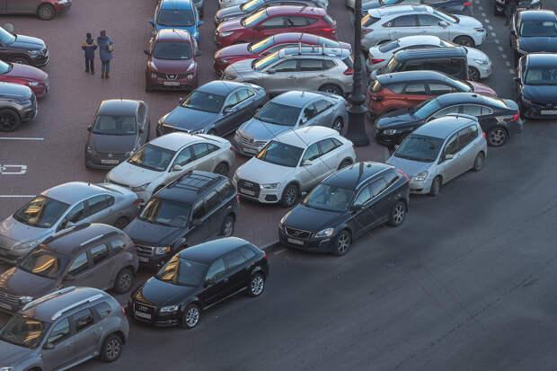 Это не вымогательство, это шеринг. В Петербурге появилась альтернативная «платная» парковка