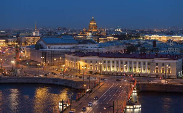 Теперь центр Петербурга можно рассмотреть с 60-метровой обзорной площадки. Вот десять фото любимого города