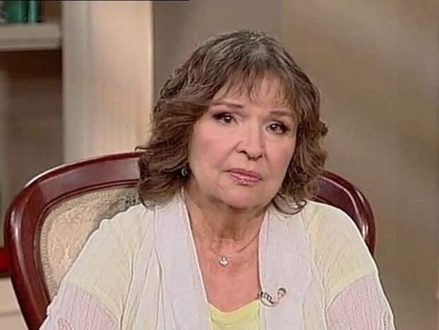 Тамара Семина не могла самостоятельно передвигаться на прощании с Ириной Печерниковой