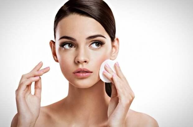 Закаленная жара:  ТОП-7 золотых правил стойкого макияжа на лето