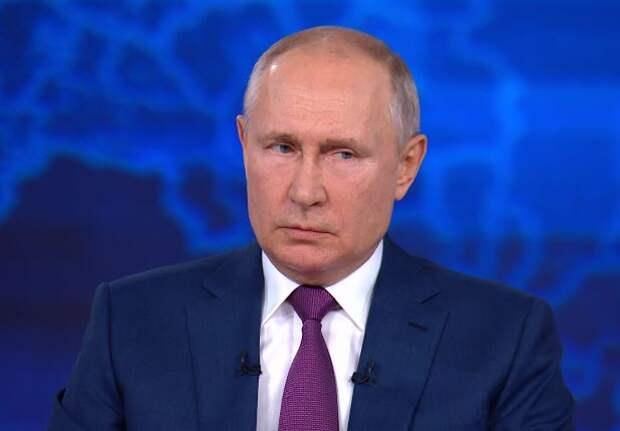 Президент России объяснил, что помогает избегать локдауна в стране