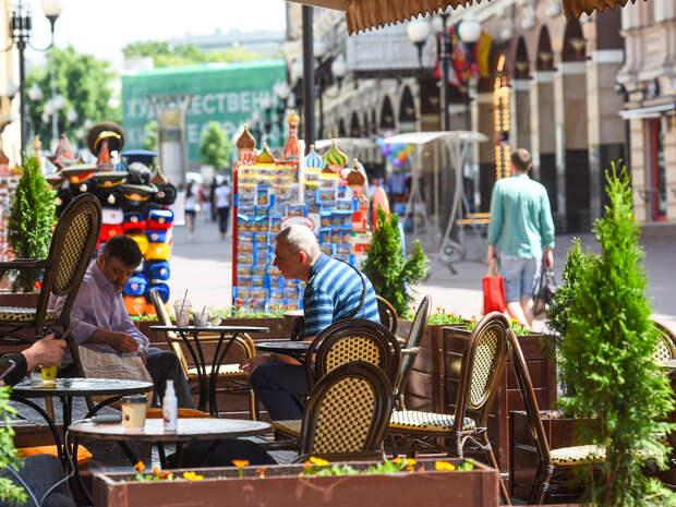 Ограничения по COVID-19 в Москве затронут летние веранды