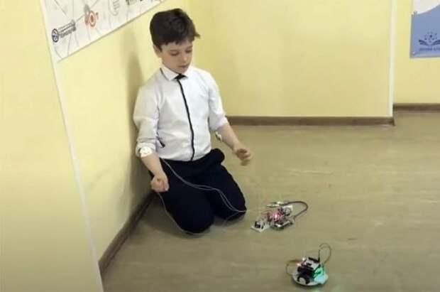 Российские школьники получили 17 медалей на соревнованиях по робототехнике