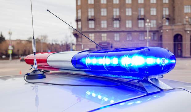 Полиция разыскивает водителя, который едва не сбил пешеходов в Петрозаводске
