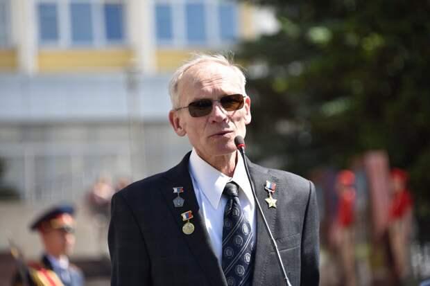 «Если бы не «Аксион» – ничего бы в космосе не летало»: в Ижевске открыли Аллею космонавтов