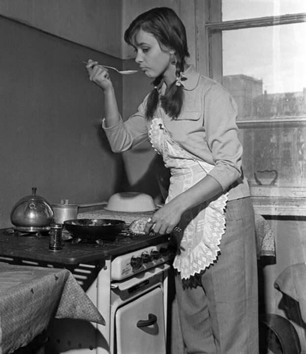 Любимые советские актрисы в домашней обстановке.