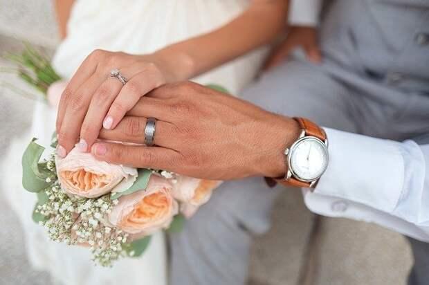 В МФЦ на улице Василия Петушкова зарегистрируют брак в неторжественной обстановке