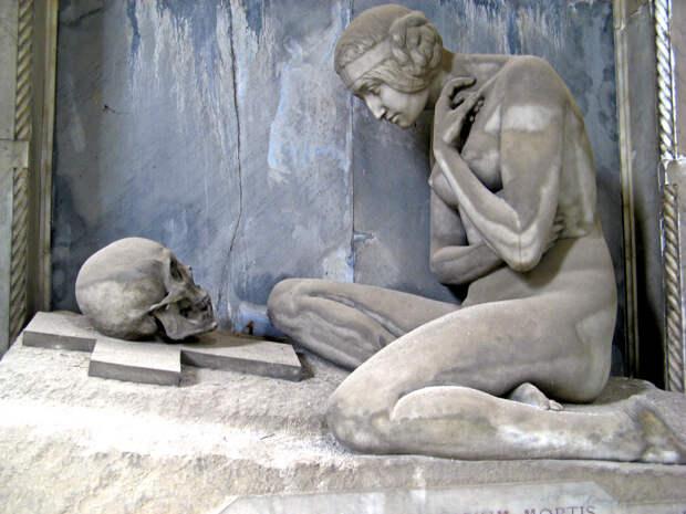 Печальная красота старинного кладбища Стальено в Генуе