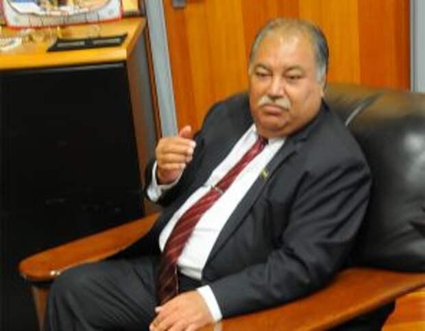 На фото: в 2009 году Барон Вака, президент одного из самых маленьких государств мира - Науру - с населением всего 12 тысяч человек, одним из первых в мире заявил о признании Южной Осетии и Абхазии