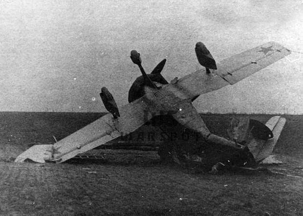Несмотря на серьёзные повреждения, автожир позже восстановили - Летающие глаза артиллерии   Warspot.ru