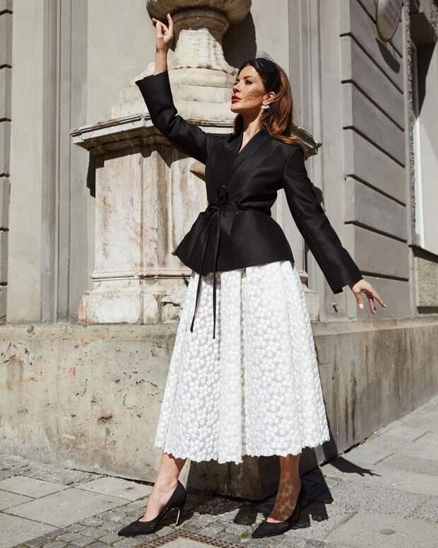 Базовый гардероб для дам 40-50 лет весна-лето 2021: модные и стильные примеры