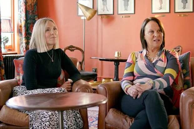Сестры, не знавшие о существовании друг друга, встретились 50 лет спустя