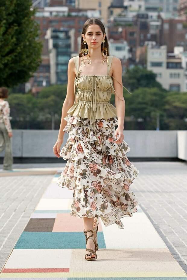 Стало известно, какие юбки будут в моде весной и летом 2021