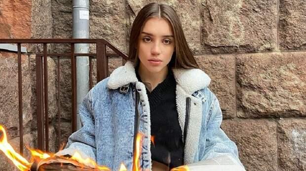 """Россия, с новым годом!"""" Почему националисты атаковали львовскую блогершу  Сашу Чистову - Artemon — КОНТ"""