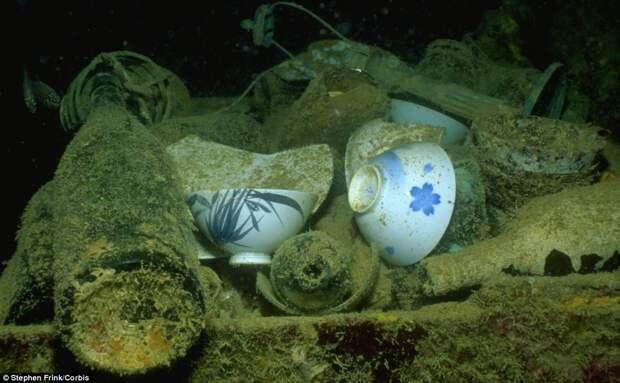 Фарфоровая посуда прекрасно сохранилась, несмотря на проведенные под водой десятилетия
