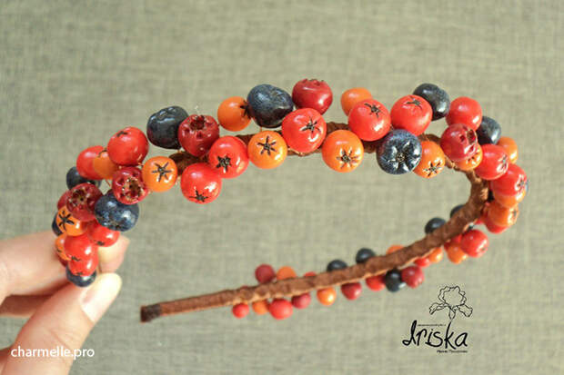 Аксессуары бижутерия с ягодами из полимерной глины рябина