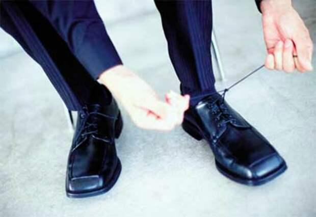 Странные ботинки.