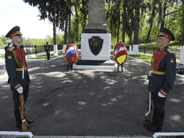 Военнослужащие ЮВО в Северной Осетии приняли участие в открытии историко-информационной экспозиции «Подвиг, достойный Героя»