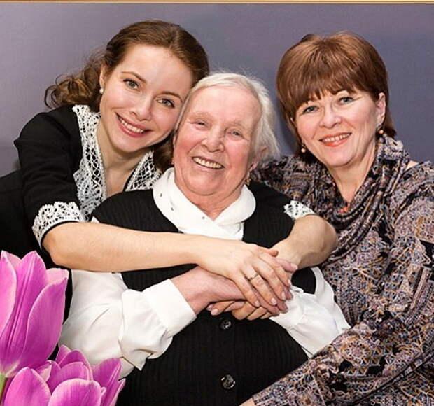 екатерина гусева с мамой и бабушкой