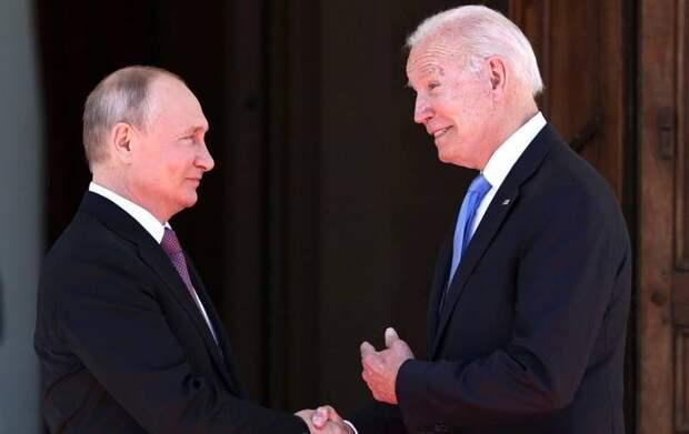 Байден лично попросил Путина не мешать деятельности «Радио Свобода» в РФ
