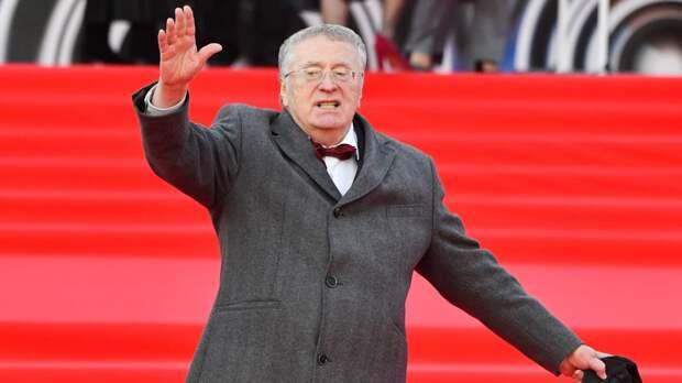 Жириновский вслед за Линдеманном спел песню «Любимый город»