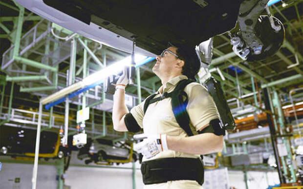 Звездный десант на конвейере: Ford внедрил экзоскелеты в производство