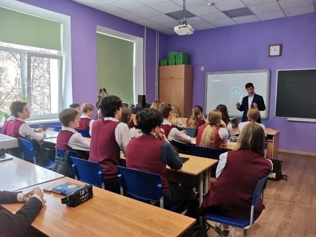 Нижегородским школьникам рассказали осовременном «Цифровом производстве» врамках всероссийской акции «Урок цифры»