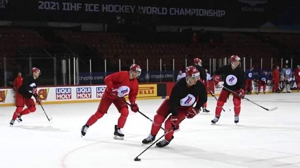 Тренерский штаб сборной России по хоккею заявил на ЧМ в Риге 17 игроков