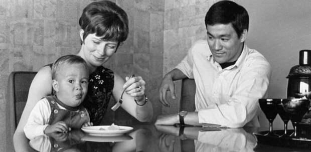 Семейный фотоальбом Брюса Ли