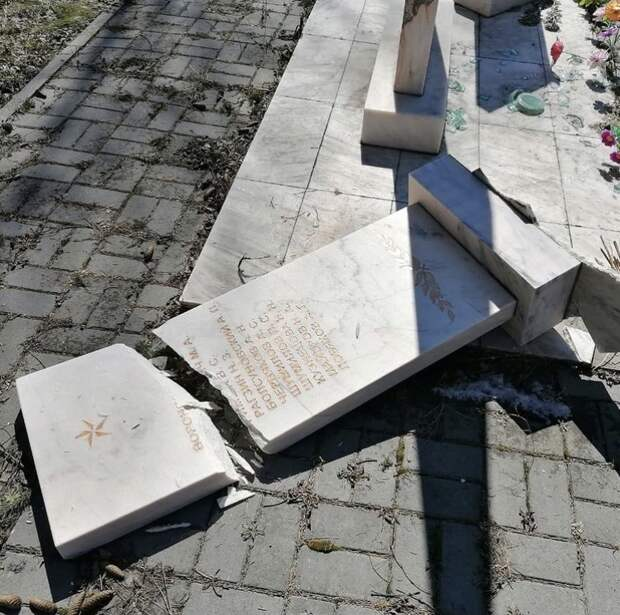 Памятник героям Великой Отечественной войны разгромили в Томском районе