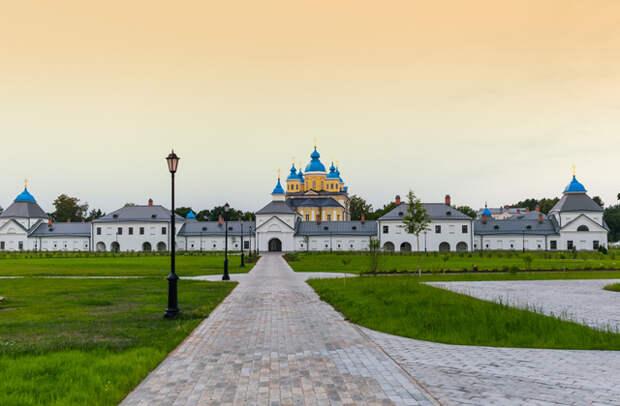 Топ-3 направлений для романтического уик-энда в России и за рубежом