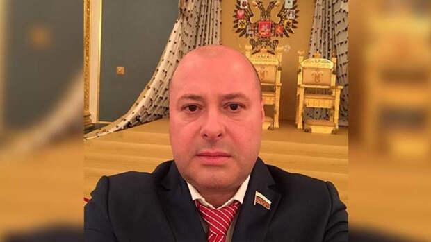 """""""Моя семья — это мое государство"""": Маркелов дал совет россиянам в майские праздники"""