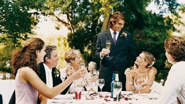Вместо 50 приглашенных на свадьбу пришли всего 15 человек. И вот почему истории, мудрость, свадьба