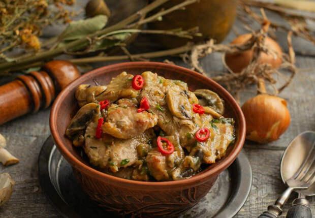 Мясной соус с картофелем и сыром: покоряет женские сердца с первого укуса
