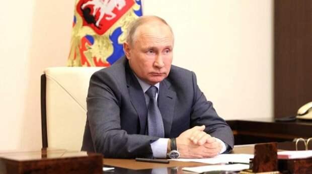 """""""Меня задело"""": Путин устроил выволочку вице-премьеру за """"вытаптывающих"""" парки туристов"""