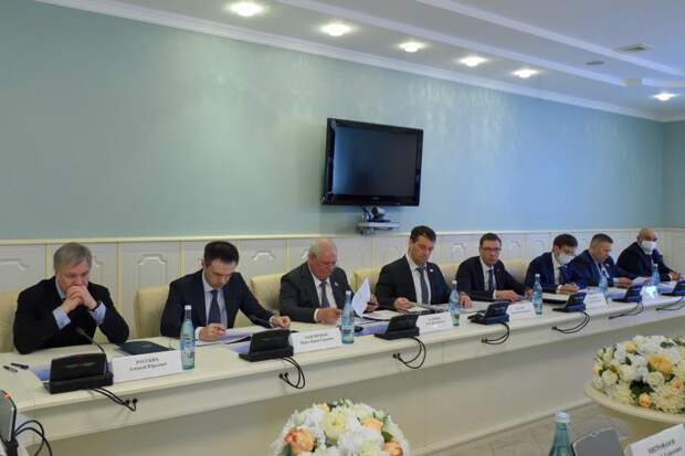 Руководство Адыгеи и сенаторы Совфеда обсудили ход реализации индивидуальной программы развития региона