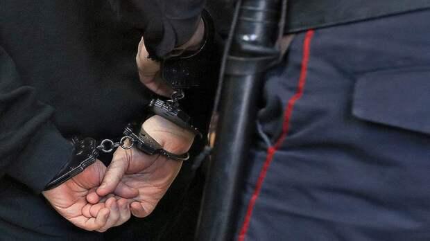 Полицейский патруль задержал нервного драгдилера на Ухтомской