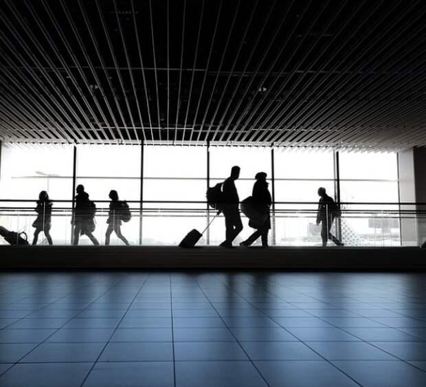 """S7 и региональные аэропорты пожаловались на привилегии """"Аэрофлота"""" его бывшему гендиректору"""