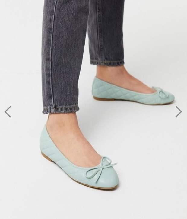 Обувь на плоской подошве: Самые стильные модели на лето 2020