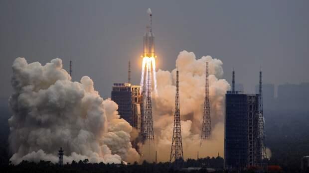 Российский космонавт назвал возможные последствия падения неуправляемой китайской ракеты