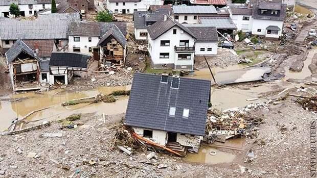 Режим военной катастрофы: Запад Германии выглядит как после бомбардировки