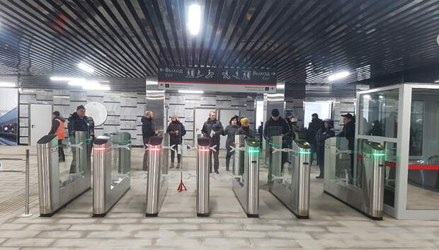 В утренний час пик поезда МЦД‑2 курсировали в штатном режиме после технического сбоя