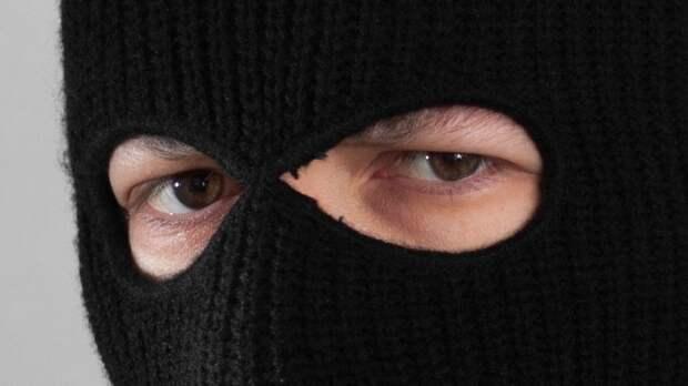 В Греции грабители убили молодую девушку на глазах у мужа и ребенка