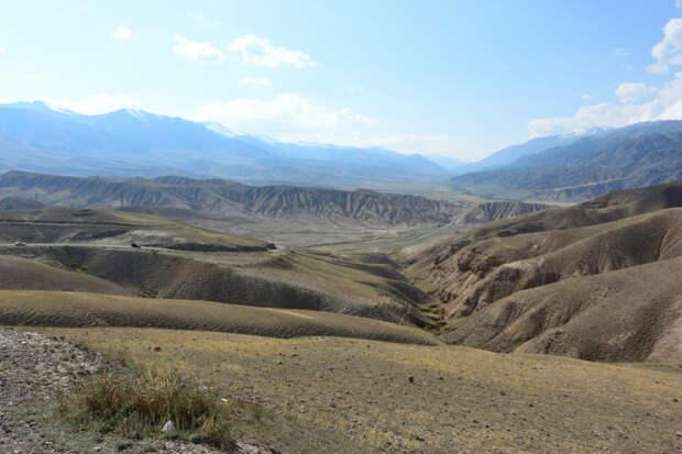 Высокогорное озеро Сон-куль, Кыргызстан