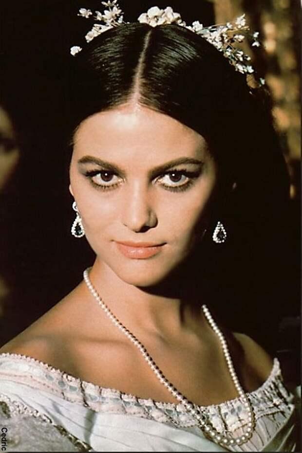 Клаудия Кардинале в роли донны Бастианы из к/ф «Леопард», 1963 год. | Фото: liveinternet.ru.