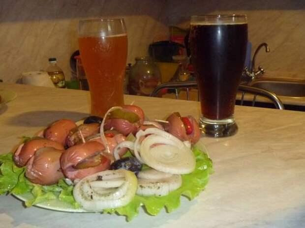 Утопенцы — Достаем, сервируем, пьем пиво, закусываем, вспоминая Прагу