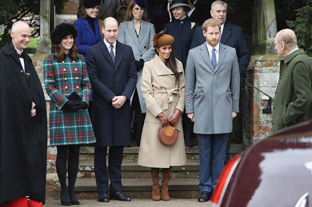 Кейт Миддлтон, принц Уильям, Меган Маркл, принц Гарри, принц Филипп, принцесса Беатрис, принцесса Евгения, принц Эндрю