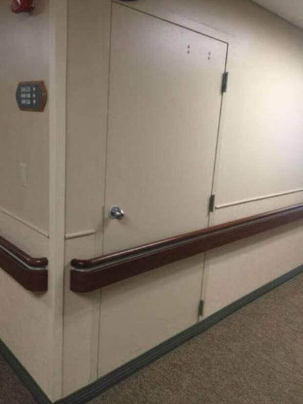 9. Некоторые двери лучше не открывать - такого мнения, по всей видимости, придерживаются в том заведении горе-мастера, ошибки, провалы, своими руками, смешно, строители, фото, фэилы