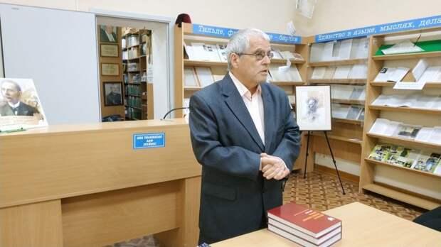 В рамках декады Победы в республиканской библиотеке организованы книжные выставки