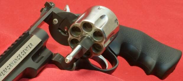 Револьвер Магнум-44 – самый мощный серийный револьвер в мире